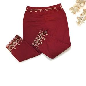 Womens/junior Embroidered cropped capris NWOT SZ M